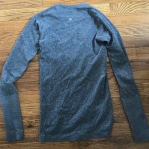 Grey paisley swiftly tech long sleeve lululemon